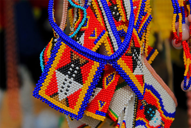 A traditional necklace worn by both men and women.